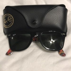 Ray Ban - Small Black Wayfarer RB2140 (50 22)